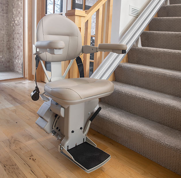 Lloyd Kraus Bruno Elite SRE2110 Indoor heavy duty 400lb weight capacity made in the USA stairway staircase chair stairlift